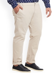 Mike & Smith Men Cream Solid Slim Fit Chinos