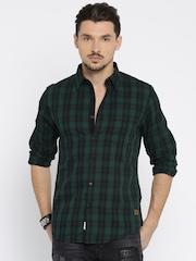 Roadster Men Green & Black Checked Casual Shirt