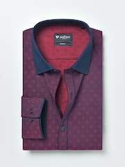 INVICTUS Men Maroon Slim Fit Self-Design Formal Shirt