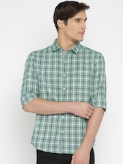 SCULLERS Men Green Checked Slim Fit Casual Shirt