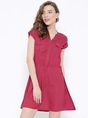 DressBerry Women Magenta Solid Dress