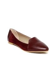 Van Heusen Women Burgundy Pointed-Toe Flats