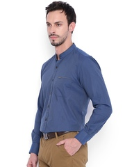 IVOC Men Blue Slim Fit Solid Casual Shirt