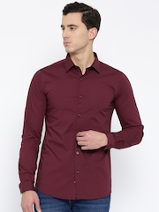 United Colors of Benetton Men Maroon Slim Solid Casual Shirt