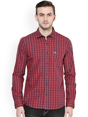 Turtle Men Red Checked Slim Fit Casual Shirt