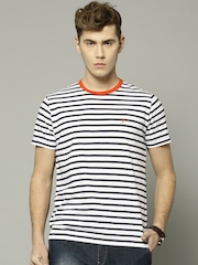 French Connection Men White & Navy Striped Round Neck T-shirt