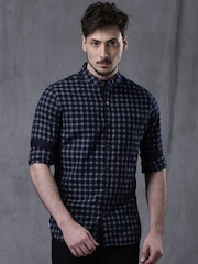 WROGN Men Navy & White Slim Fit Checked Casual Shirt