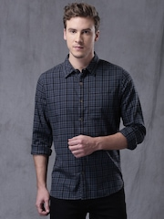 WROGN Men Grey Slim Fit Checked Casual Shirt