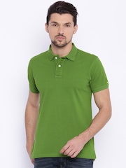 Basics Men Green Solid Slim Fit Polo Collar T-shirt