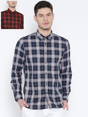 Parx Men Navy & Red Slim Fit Checked Reversible Casual Shirt