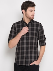 HIGHLANDER Men Black & Grey Slim Fit Checked Casual Shirt