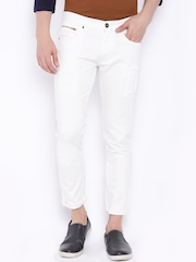 SHELTR Men White Slim Fit Mildly Distressed Jeans