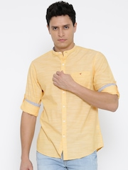 Wills Lifestyle Men Yellow Slim Fit Solid Casual Shirt