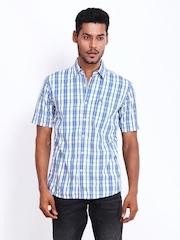 Wrangler Men White & Blue Checked Slim Fit Casual Shirt