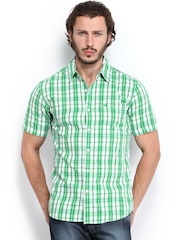 Wrangler Men Green & White Checked Slim Fit Casual Shirt