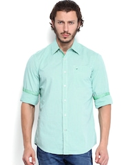 Lee Men Green & White Checked Slim Fit Casual Shirt
