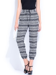 DressBerry Women Black & Off-White Printed Palazzo Trousers