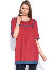 SPANDANA Women Red Kurta