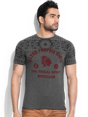 Breakbounce Men Charcoal Grey Melange Bear Hug Slim Fit Printed T-shirt