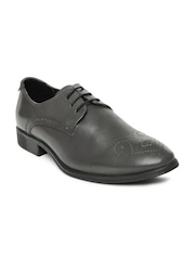 Van Heusen Men Black Leather Semiformal Shoes