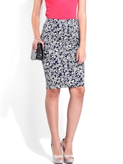 DressBerry Navy & White Printed Pencil Skirt