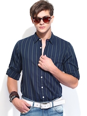 Roadster Men Green & Navy Striped Slim Fit Casual Shirt