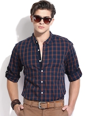 Roadster Men Navy & Brown Checked Slim Fit Casual Shirt