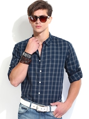 Roadster Men Charcoal Grey & Navy Checked Slim Fit Casual Shirt