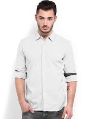 Levis Men White & Black Striped Slim Fit Casual Shirt
