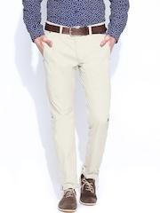 Breakbounce Men Cream-Coloured Buddy Hug Regular Fit Casual Trousers
