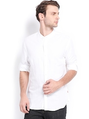 Levis Men White Linen Slim Fit Casual Shirt