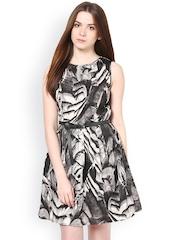 La Zoire Grey & Black Printed Fit & Flare Dress