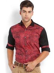 Locomotive Men Red Printed Slim Fit Casual Shirt