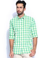 IZOD Men Green & White Checked Slim Fit Casual Shirt