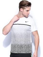 Nike Men White & Grey Challenger Crew Printed T-shirt