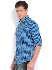 Wills Lifestyle Men Blue Checked Slim Fit Casual Shirt