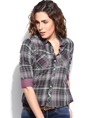 Roadster Women Grey & Black Checked Casual Shirt