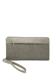 Baggit Women Taupe Wallet