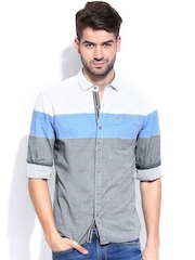 Locomotive Men Off-White & Blue Slim Fit Casual Shirt