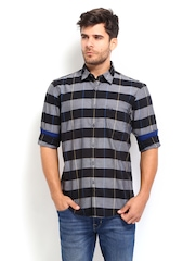 Allen Solly Men Black & Grey Checked Custom Fit Casual Shirt
