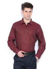 Men Maroon Classic Fit Formal Shirt Arrow
