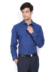 Arrow Men Navy Slim Fit Formal Shirt