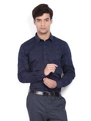 Men Navy & Black Snug Fit Formal Shirt Arrow New York