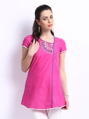 Aurelia Women Pink Embroidered Kurta