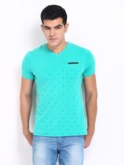 Basics Men Green Printed T-shirt