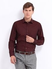 Black Coffee Men Maroon Slim Fit Formal Shirt