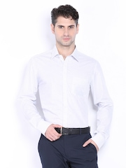 Black Coffee Men White & Blue Checked Slim Fit Formal Shirt