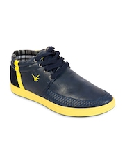 Brandley Men Blue Sneakers