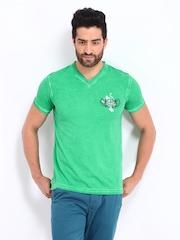 Breakbounce Men Green Bear Hug Slim Fit T-shirt