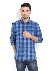 Burnt Umber Men Blue & White Checked Slim Fit Casual Shirt